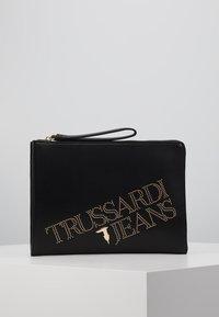 Trussardi Jeans - ELETTRA POUCH STUDS - Clutch - black - 0