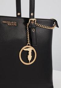Trussardi Jeans - PENELOPE BUCKLE - Handtasche - black - 6