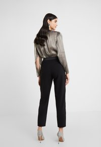 Three Floor - MAXINE TROUSERS - Kalhoty - black - 2