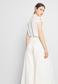 Three Floor - CORRINE TROUSERS - Trousers - off white - 4