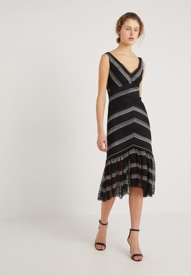 ZANY DRESS - Koktejlové šaty/ šaty na párty - black/white