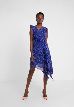 SPOT DIFFUSION DRESS - Cocktailkjole - spectrum blue/violet