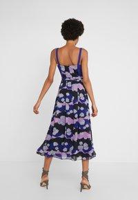 Three Floor - MAGRITTE DRESS - Freizeitkleid - spectrum blue/violet/black - 2