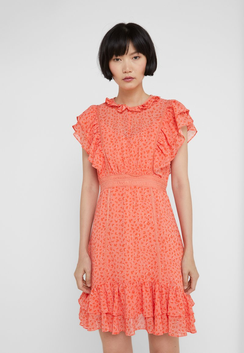 Three Floor - JAWAI - Freizeitkleid - coral/flame orange/off white