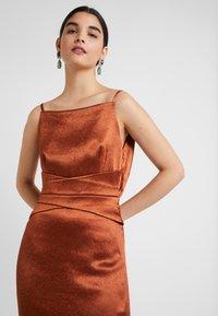 Three Floor - ELIZABETH DRESS - Koktejlové šaty/ šaty na párty - bronze - 4