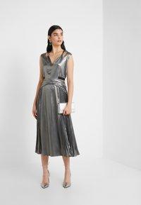 Three Floor - MERCURY DRESS - Cocktailkjole - pewter metallic - 1