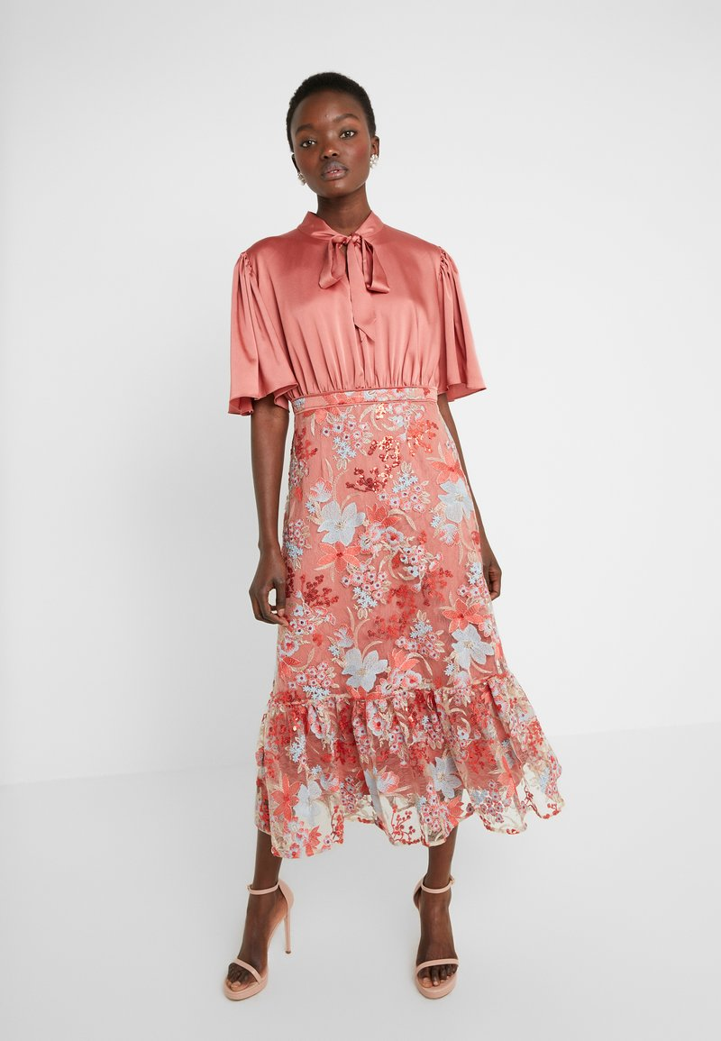 Three Floor - EXCLUSIVE DRESS - Koktejlové šaty/ šaty na párty - red