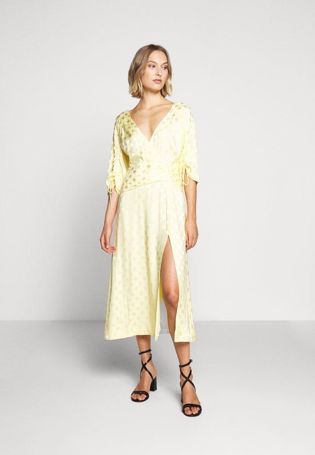 PENELOPE DRESS - Denní šaty - lemonade