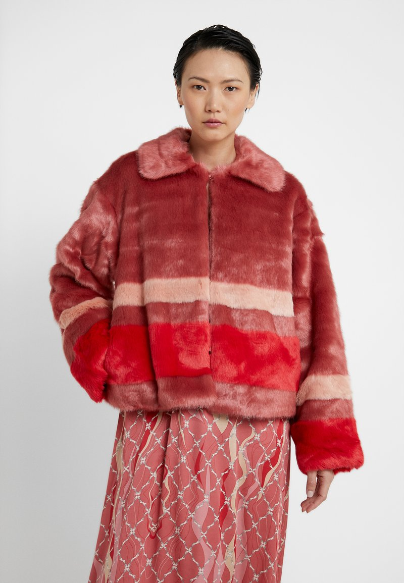 Three Floor - TRINITY JACKET - Light jacket - faded rose/tomato red