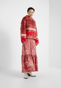 Three Floor - TRINITY JACKET - Lett jakke - faded rose/tomato red - 1