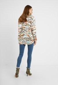 Topshop Maternity - JAMIE JAGGED HEM - Jeans Skinny Fit - blue denim - 0
