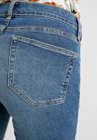 Topshop Maternity - JAMIE JAGGED HEM - Jeans Skinny Fit - blue denim - 2