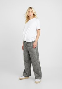 Topshop Maternity - SALT PEPPER - Broek - mono - 1