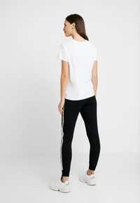 Topshop Maternity - JEGGER - Trainingsbroek - black - 2