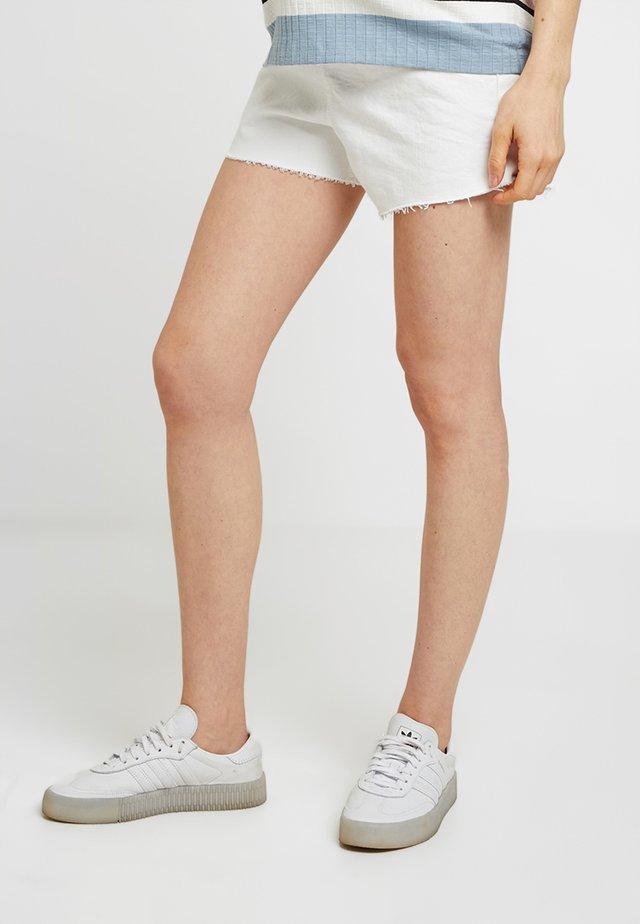 PREM MOM - Jeans Shorts - white