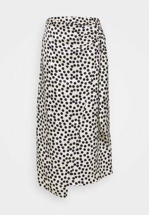 SPOT PRINT SARONG - Falda de tubo - mono
