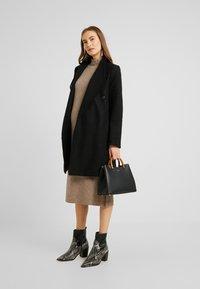 Topshop Maternity - DRESS - Stickad klänning - mink - 2