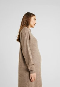 Topshop Maternity - DRESS - Stickad klänning - mink - 6