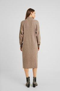 Topshop Maternity - DRESS - Stickad klänning - mink - 3
