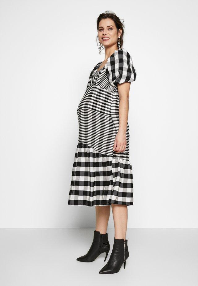 MIDI TEXTURED CHECK - Jersey dress - mono