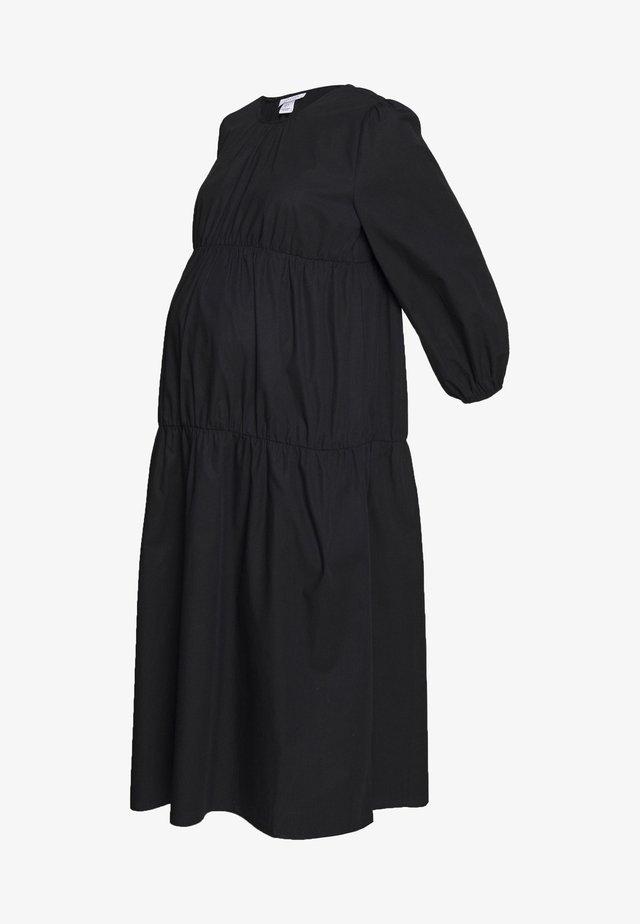 SMOCK TIERED DRESS - Freizeitkleid - black