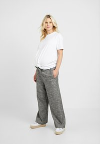 Topshop Maternity - KNOT FRONT TEE - T-shirt con stampa - white - 1
