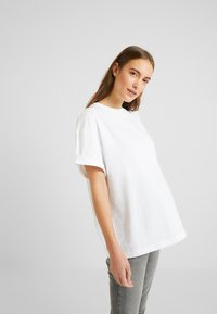 Topshop Maternity - 2 PACK BOXY ROLL TEE - T-shirt basic - black/white - 1