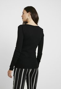 Topshop Maternity - NOA NOTCH 2 PACK - T-shirt à manches longues - black/white - 2