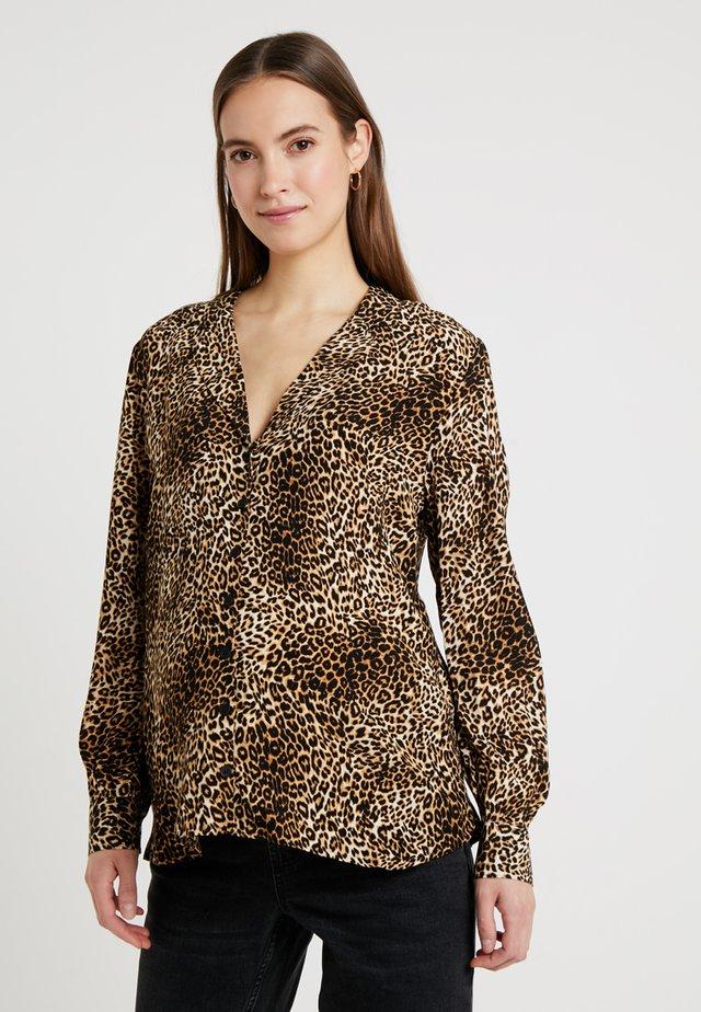 LEOPARD JESSICA - Hemdbluse - true leopard