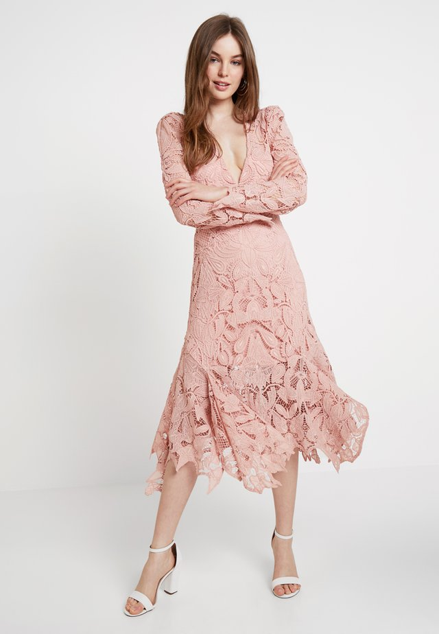 WALTZ DRESS - Juhlamekko - blush