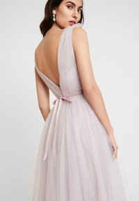 TH&TH - GRACE - Occasion wear - smoked orchid - 3