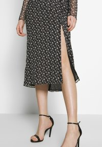 The East Order - LAURIE MIDI DRESS - Day dress - flora noir - 3