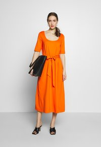 mine to five TOM TAILOR - DRESS WITH CARREE NECK - Jersey dress - fiery orange - 1