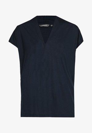 FEMININE  - T-shirt imprimé - sky captain blue