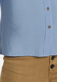 mine to five TOM TAILOR - BLUSEN & SHIRTS SCHLICHTES BLUSENSHIRT - Button-down blouse - soft charming blue - 5