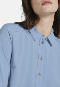 mine to five TOM TAILOR - BLUSEN & SHIRTS SCHLICHTES BLUSENSHIRT - Button-down blouse - soft charming blue - 4