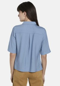 mine to five TOM TAILOR - BLUSEN & SHIRTS SCHLICHTES BLUSENSHIRT - Button-down blouse - soft charming blue - 2