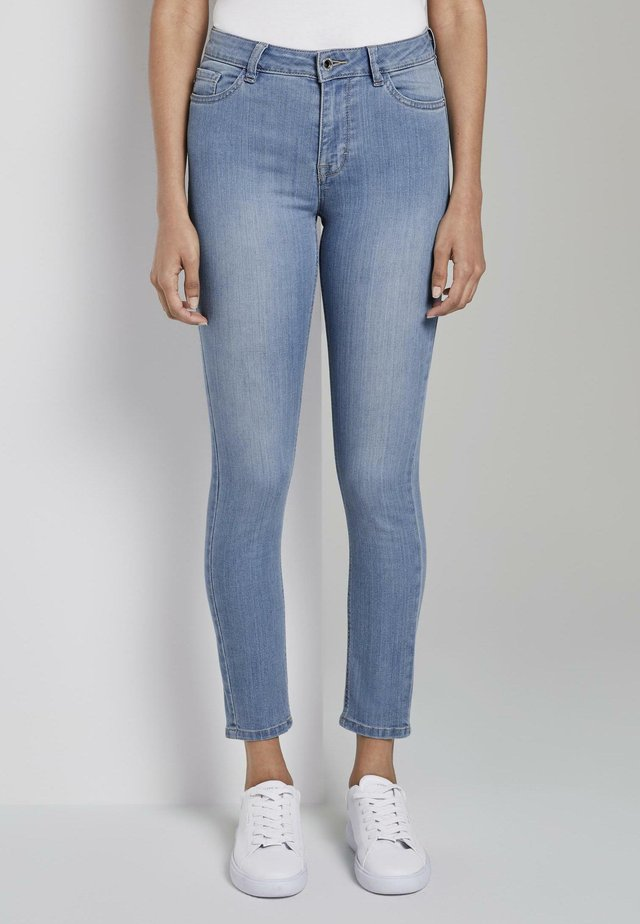 JEANSHOSEN SKINNY JEANS ANKLE-LENGTH - Jeans Skinny Fit - light blue
