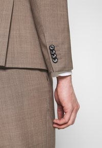 Tommy Hilfiger Tailored - SLIM FIT SUIT - Dress - beige - 9