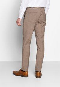 Tommy Hilfiger Tailored - SLIM FIT SUIT - Dress - beige - 5