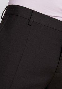 Tommy Hilfiger Tailored - SLIM FIT SUIT - Traje - brown - 6