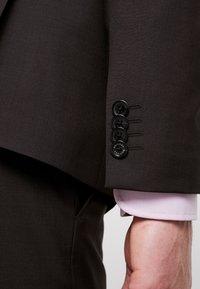 Tommy Hilfiger Tailored - SLIM FIT SUIT - Traje - brown - 10
