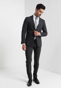 Tommy Hilfiger Tailored - Oblekové kalhoty - anthracite - 1