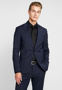 Tommy Hilfiger Tailored - FLEX SLIM FIT SUIT - Kostym - blue - 2