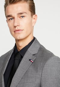 Tommy Hilfiger Tailored - SLIM FIT SUIT - Oblek - grey - 6