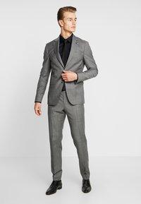 Tommy Hilfiger Tailored - SLIM FIT SUIT - Oblek - grey - 1