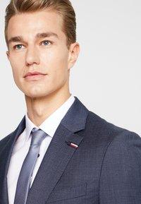 Tommy Hilfiger Tailored - SLIM FIT SUIT - Oblek - blue - 8