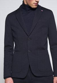 Tommy Hilfiger Tailored - PACKABLE SLIM FLEX STRIPE SUIT - Oblek - blue - 7