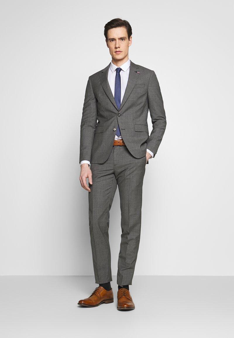 Tommy Hilfiger Tailored - SUIT SLIM FIT - Garnitur - grey