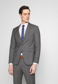 Tommy Hilfiger Tailored - SUIT SLIM FIT - Garnitur - grey - 2